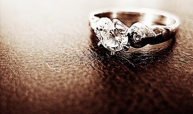 איך לבחור טבעת יהלום