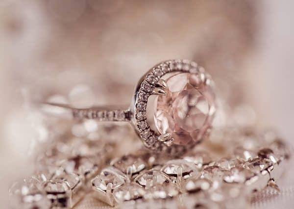 כמה עולה טבעת יהלומים ראשית
