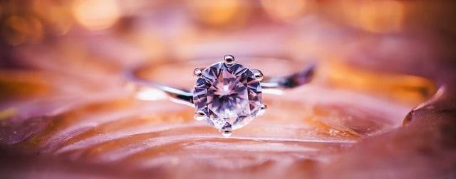 כמה עולה טבעת יהלומים