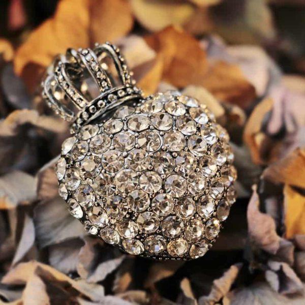 heart shape diamond with a crown