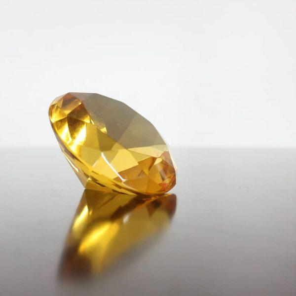 yellow lab grown diamond